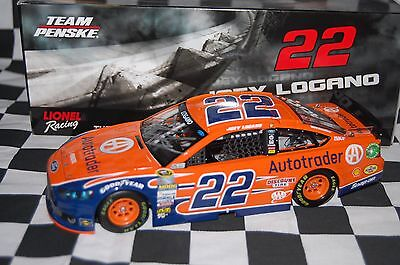Joey Logano #22 AUTOTRADER Ford Fusion 1:24 scale NASCAR Die-Cast AUTOGRAPHED
