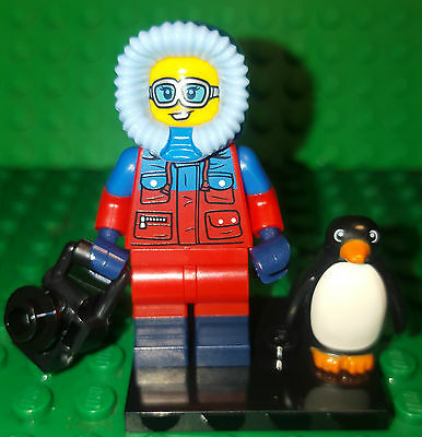 Lego 71013 Series 16 Minifigure WILDLIFE PHOTOGRAPHER AND PENGUIN
