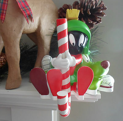 Warner Bros Studio Store EXCLUSIVE MARVIN the MARTIAN CHRISTMAS STOCKING HOLDER