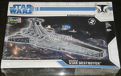 REPUBLIC STAR DESTROYER Revell Model Kit MISB Star Wars Episode III +Bonus