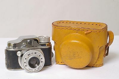 F5725~ Subminiature Hit Camera & Case – B/I Lever Missing