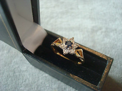 LADIES .750 18CT GOLD DIAMOND / SAPHIRE RING 2.6g SIZE M BOXED