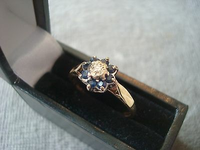 LADIES .750 18CT YELLOW GOLD DIAMOND / SAPHIRE RING 2.5g SIZE N 1/2 BOXED