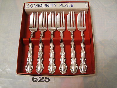 ONEIDA COMMUNITY PLATE MANSION HOUSE BOXED PASTRY CAKE FORKS  SET in exc cond.