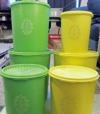 Tupperware Servalier Canisters Yellow and Green (12 Pieces)