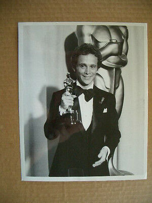 Vintage 1973 Movie Press Photo-actor Joel Grey wins Oscar at 45th Annual Awards