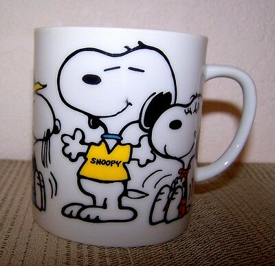 .great Vintage Snoopy Coffee Cup - Excellent Condition - 1975