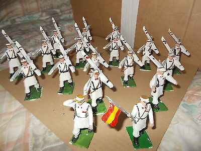 1.32 Scale Plastic Painted Mountain Troops - 18 Figures Maker Unknown -See Pics.