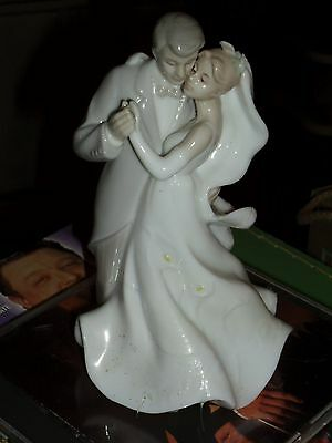 Valencia Bride & Groom Figurine , 6""