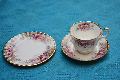 Royal Albert Trio Autumn Roses Cup Saucer Plate Excellent Cond.VINTAGE Eng. 1981