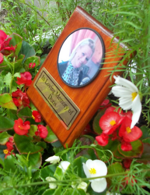 Solid Wooden Photo Memorial Stake Grave/Tree Marker Grave Cemetery Plaque