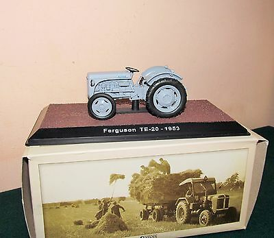 Good boxed collectable Atlas Editions Ferguson TE-20 1953 Tractor