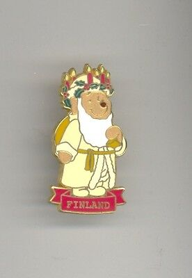 Disney Santa Claus Around the World Winnie the Pooh Finland Joulupukki Pin