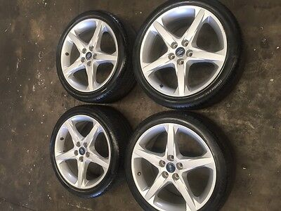 Set of 4 Ford Focus  235/40R18  wheels and tyres , See Photos,