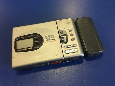 Sony MZ-R35 Minidisc Walkman Recorder / Player With Battery Holder