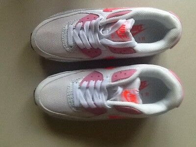 BNWT Women's/girls Nike Air Max Trainers Size 3 Uk