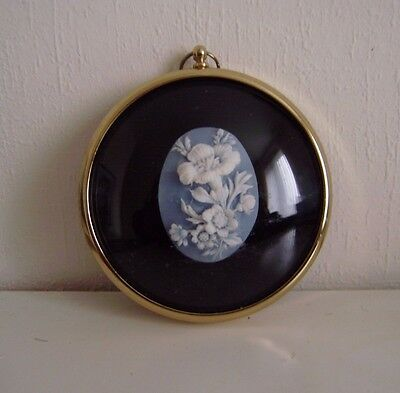 Miniature Wall Plaque - Flowers In Cameo - Peter Bates Miniature World 3-ins