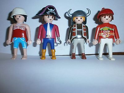 Lot N°3 : Personnages Playmobil