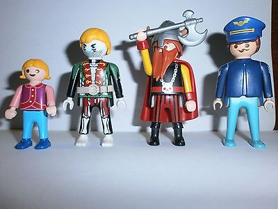 Lot N°9 : Personnages Playmobil