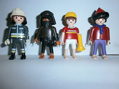 Lot N°12 : Personnages Playmobil