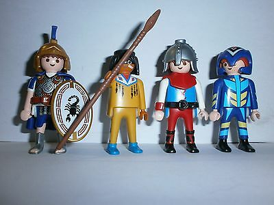 Lot N°13 : Personnages Playmobil