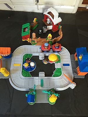 Fisher price Little People Train And Farm Set