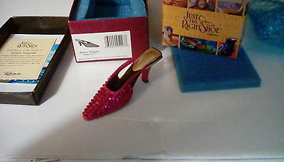 Midori Magenta.  Just the right shoe miniature collectible