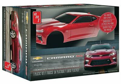 AMT 1:25 2016 Chevy Camaro SS Pre-Painted Model Kit AMT1020M