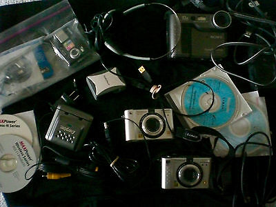 Lot of FOUR varied digital cameras--emptying my camera drawer