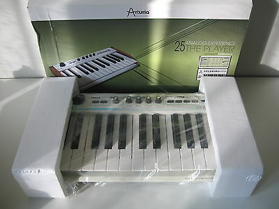 Arturia Analog Experience 25 Key - The Player Usb Midi Controller