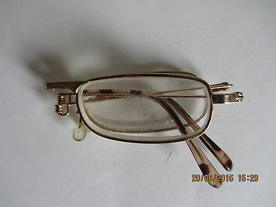 Folding spectacles
