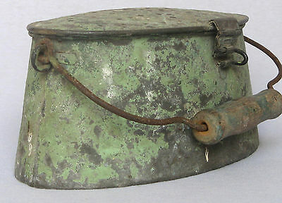 Antique French Galvanized Zinc Fishing Creel Bait Bucket w/ Handle ~ Green