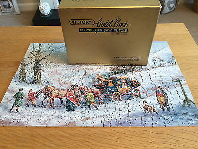 Victory 'GOLD BOX' Plywood Jigsaw Puzzle - Lovely 'Wintry Scene' picture!