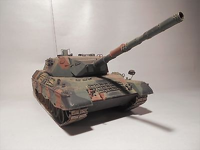 Tamiya 1/16 RC WEST GERMAN LEOPARD A4 TANK - 1970's VINTAGE TOY (Exc Controller)