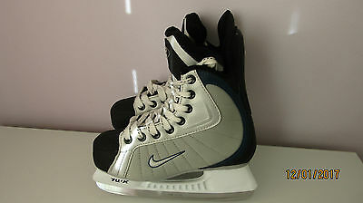Nike Ice Hockey skates size 3.5 excellent condition