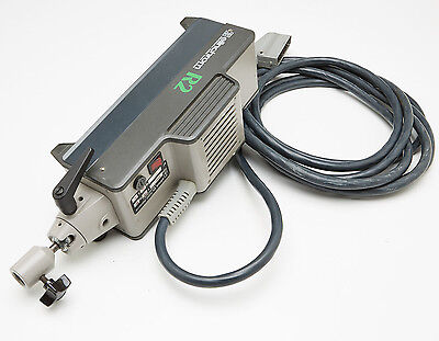 Elinchrom R2000 Flash Head fully working but may need some attention, see discr