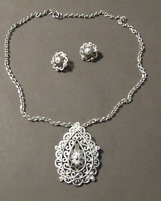 Vintage Trifari  Signed Silvertone Necklace And Earring Set 24""