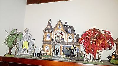 lotto Lemax Spooky Town