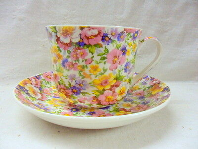 Large size breakfast cup and saucer in vintage olde England design
