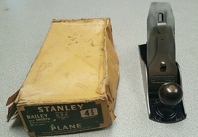 Vintage Stanley Bailey no 4-1/2 bench plane smooth sole with box