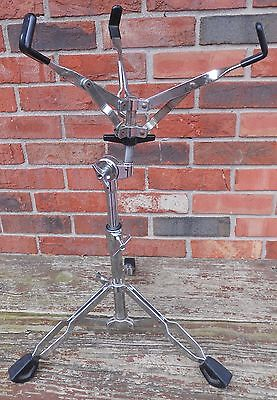 Pearl Light-Duty Snare Stand - Some Rust on legs and basket
