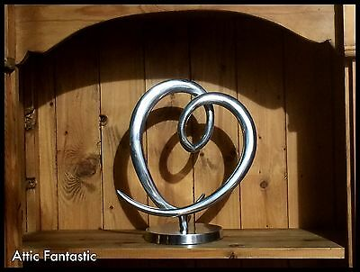 HEAVY SOLID ALUMINIUM METAL SCULPTURE in a CONTEMPORARY ABSTRACT ART STYLE. VGC