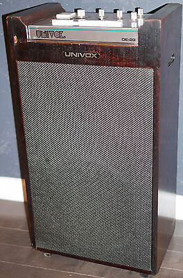 UNIVOX DE-20/SRA-75 Vintage Drum Machine w/Guitar Amplifier.