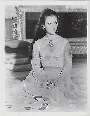 James Bond Live And Let Die Sexy Jane Seymour As Solitaire Original 8X10
