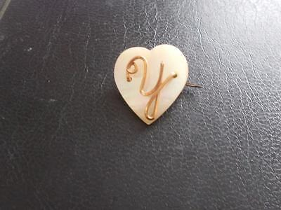 VINTAGE 1940's MOTHER OF PEARL GOLD TONE WIRE INITIAL 'Y' LETTER HEART BROOCH