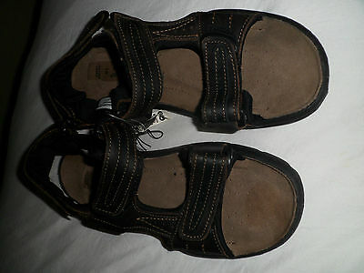 mens brown  leather upper sandal size 10