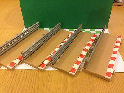 Scalextric Sport Half Straight Barriers X 4        (GH53)