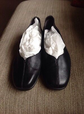 Lovely Pair Ladies Marks And Spencer's Black Foot Glove Shoes Size 6 Worn Once