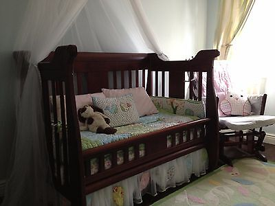 Crib and Flip-Over Dresser Set by Baby's Dream