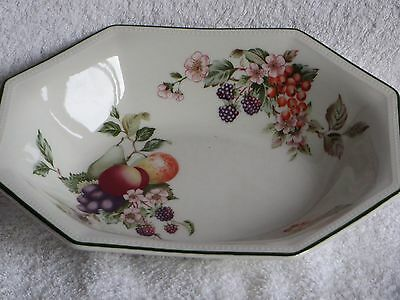 BHS Green & White 'Country Vine'  Tableware  -  Gravy Boat With Matchng Plate